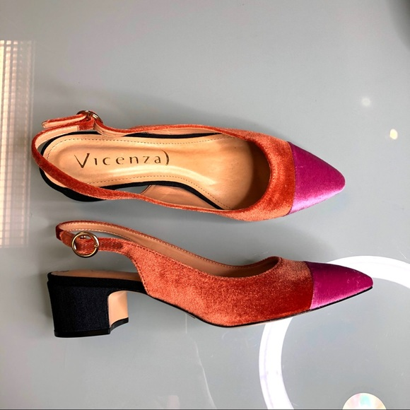 Anthropologie Shoes - Anthropologie Vicenza Velvet Blocked Heels